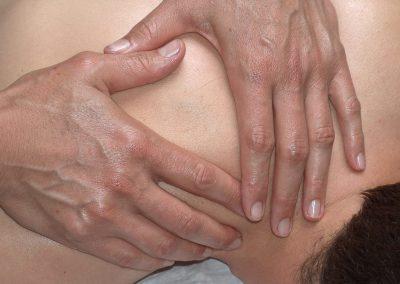 Massage du dos selon Breuss et Dorn